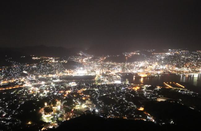 稲佐山展望台の混雑状況や夜景、ロープウェイ、駐車場の混み具合