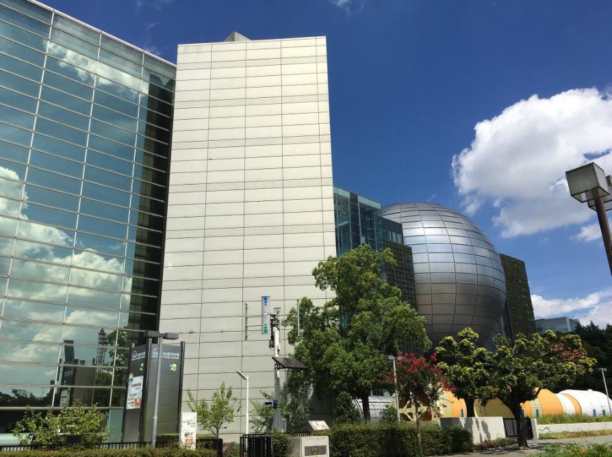 名古屋市科学館の混雑やプラネタリウムに並ぶ行列状況、駐車場の混み具合